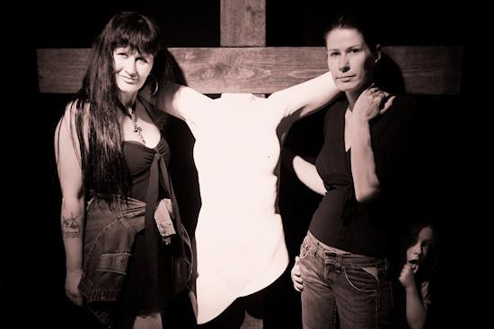 Xena, Juno (Nicole Tiesmeier) and Noah