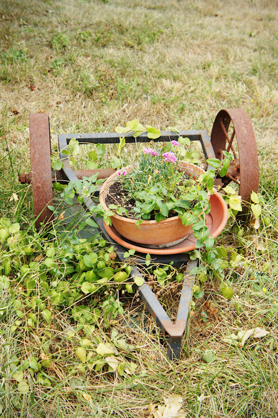 Le Colonie: Plow Flower Pot
