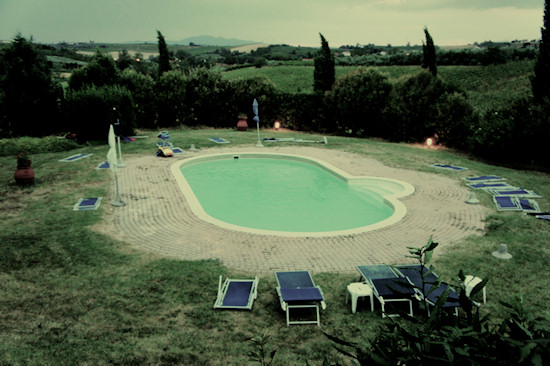 Le Colonie: Swimming pool after a storm