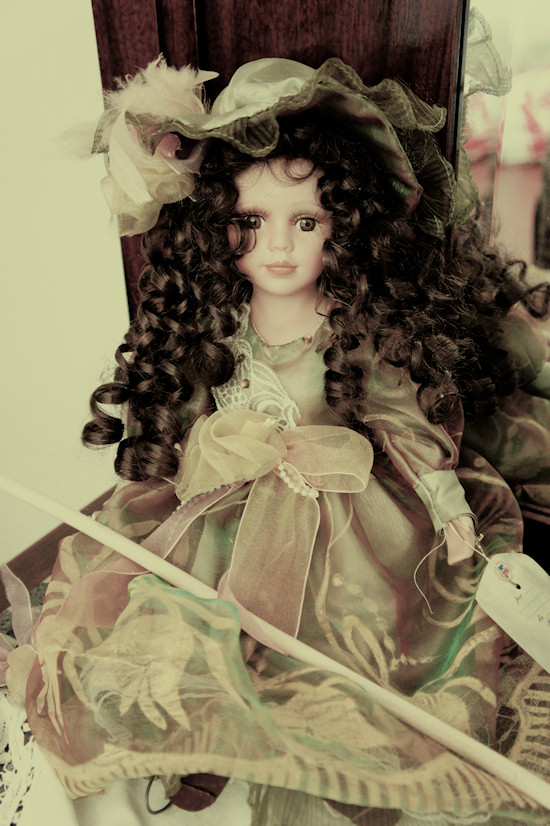Le Colonie Bedroom Doll