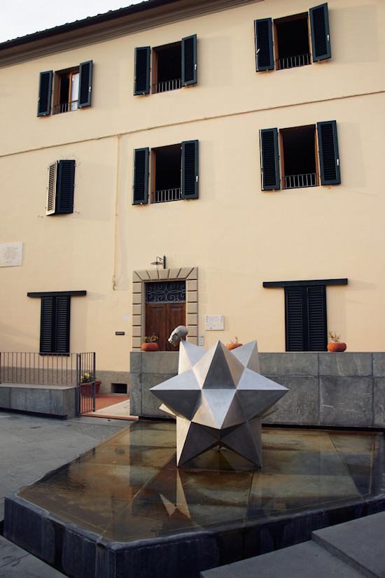 Piazza dei Guidi, Vinci, Italy