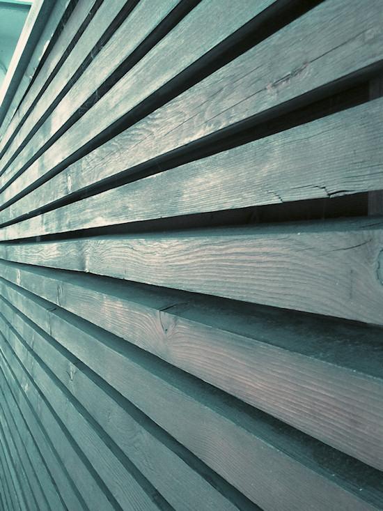 Schönbrunnerbad: Wooden Wall