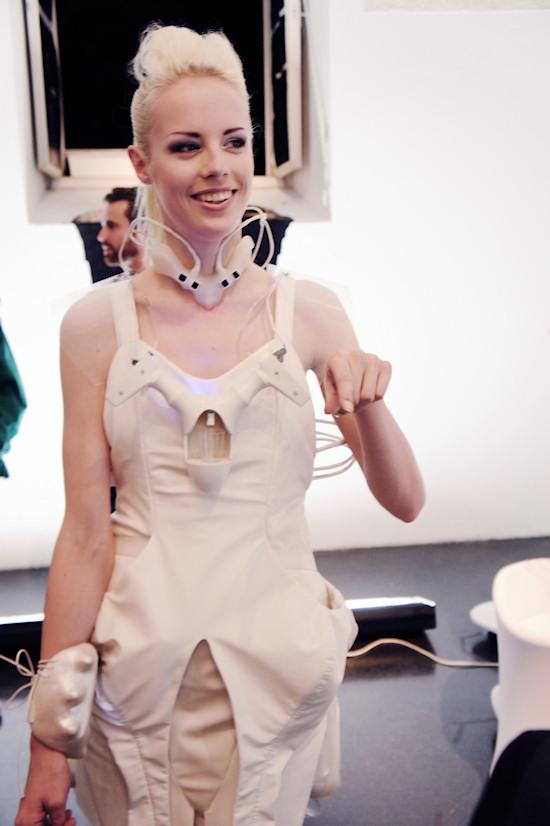 DareDroid 2.0 Model Lara Aimée @ TECHNOSENSUAL exhibition