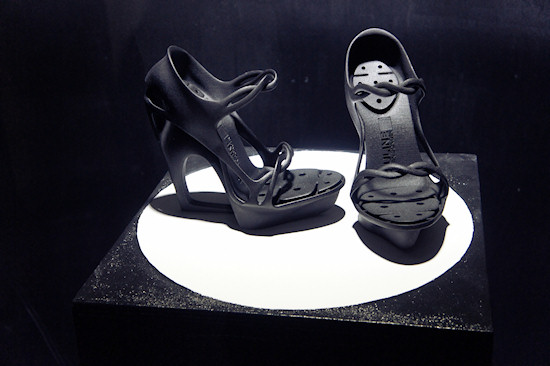 DareDroid 2.0 Model Lara Aimée @ TECHNOSENSUAL exhibition in Vienna
