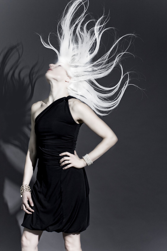 Ancalime Portrait Photo: Model Marie-Therese Leopoldsberger swinging hair