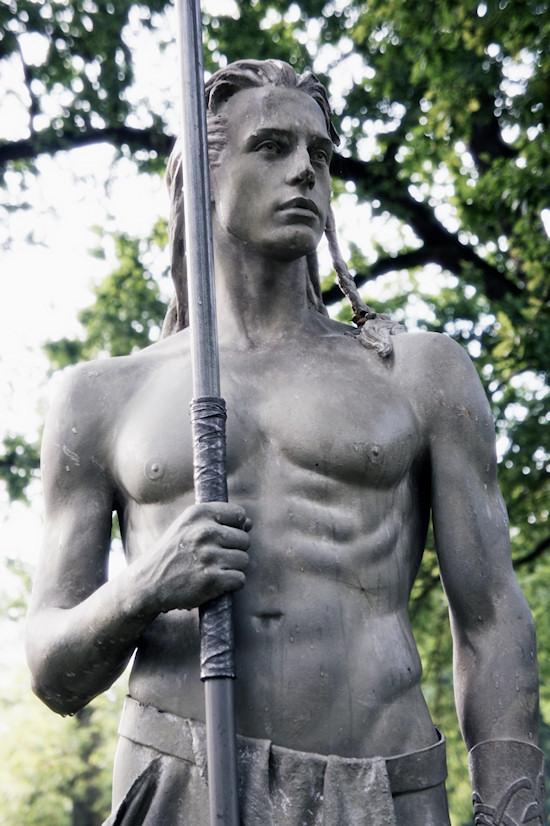 Castlefest: Male Warrior Fantasy Statue