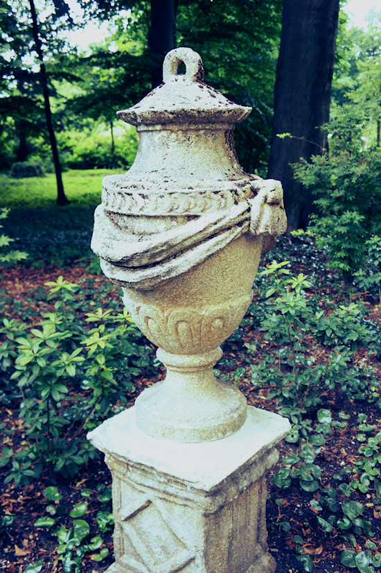 Pot Garden Statue @ Keukenhof
