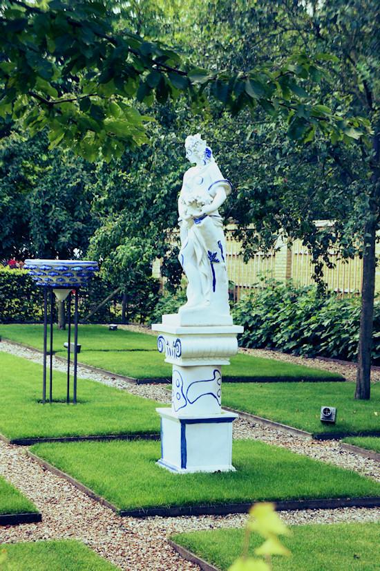 Garden Statue @ Keukenhof