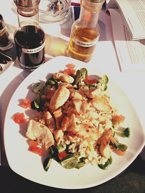 Chicken with vegetables and rice, Hühnerfleisch mit Gemüse und Reis @ Blaustern Döblinger Gürtel, Wien