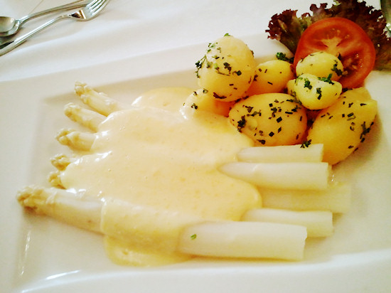 Asparagus with parsley potatoes, Spargel @ Restaurant Winkler, St. Pölten