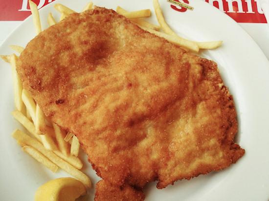 Turkey schnitzel with French fries, Putenschnitzel mit Pommes @ Schnitzelhaus, Wien