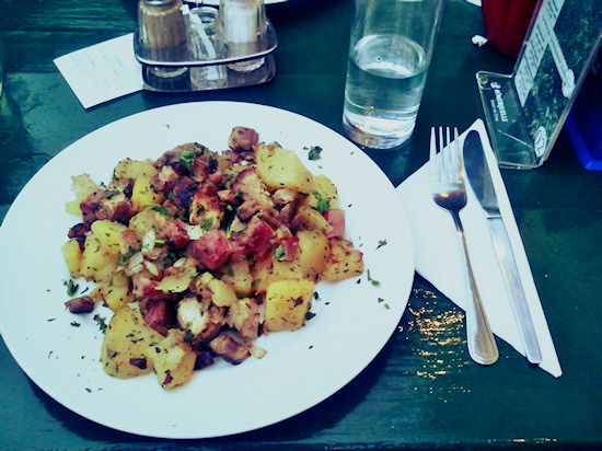 Pan-fried potatoes with chunks of meat, Grinzinger Gröstel @ Heuriger Zum Berger, Wien