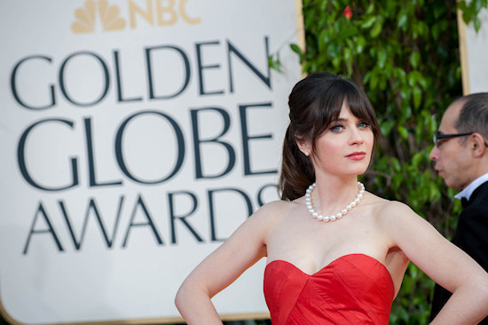 Golden Globes 2013: Zooey Deschanel in a red ballgown by Oscar de la Renta