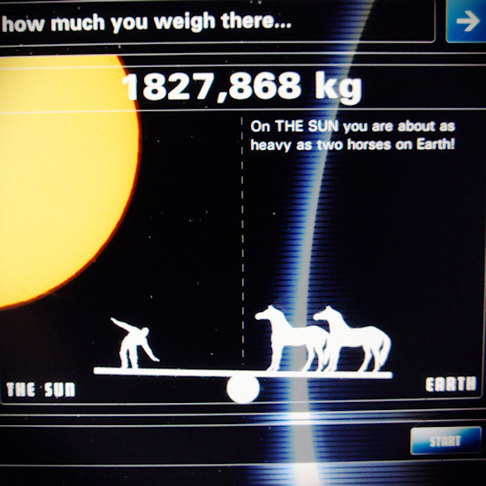 Gravitation: How much I weigh on the surface of the Sun. Screenshot Space Expo Noordwijk.