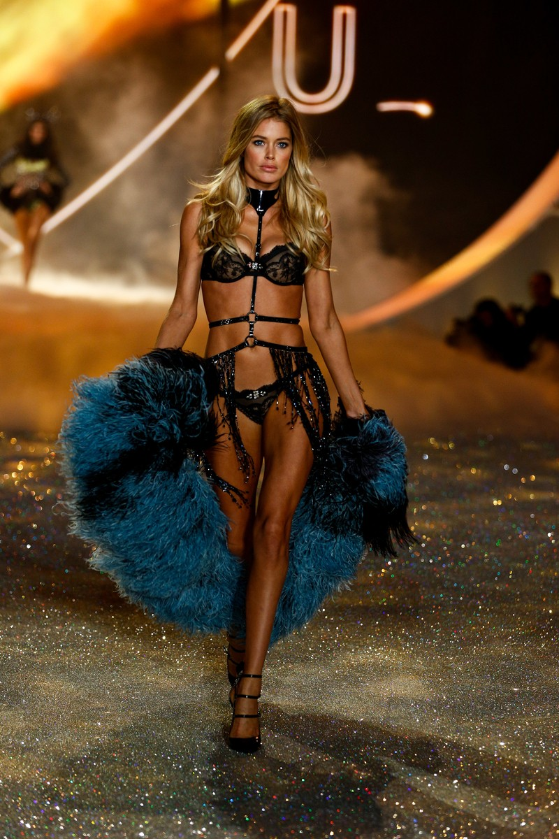 23c6392f14 Victoria s Secret  Fashion Show 2013 - Viki Secrets