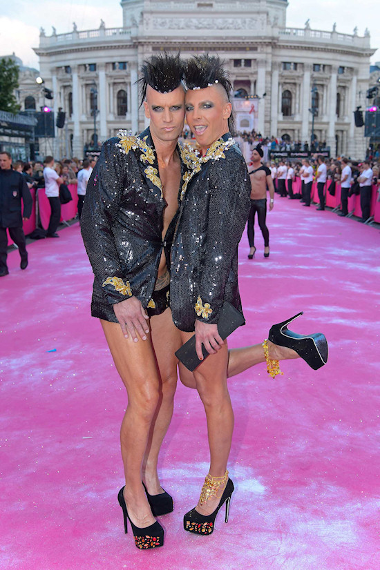 Life Ball 2013: Magenta Carpet