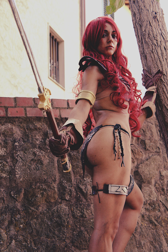 Red Sonja Cosplay by Natasha Ziviani at the Unicorn Festival 2012