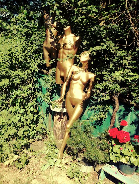 Gold Mannequins @ Secret Garden Kahlenberg Wien