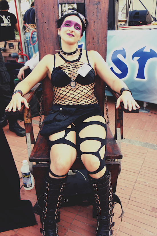 Goth Model on Torture Chair @ Unicorn Festival 2012 / Festa dell'Unicorno / Vinci
