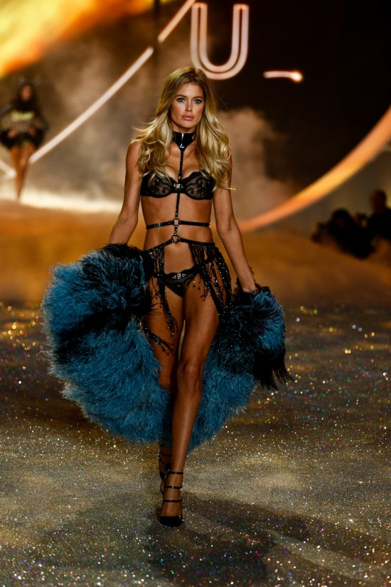 Doutzen Kroes @ Victoria's Secret Fashion Show 2013