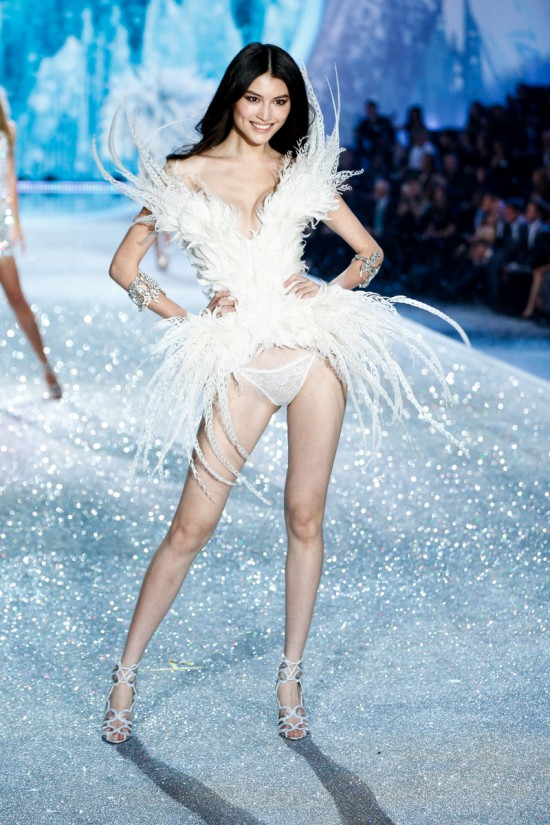 Sui He @ Victoria's Secret Fashion Show 2013