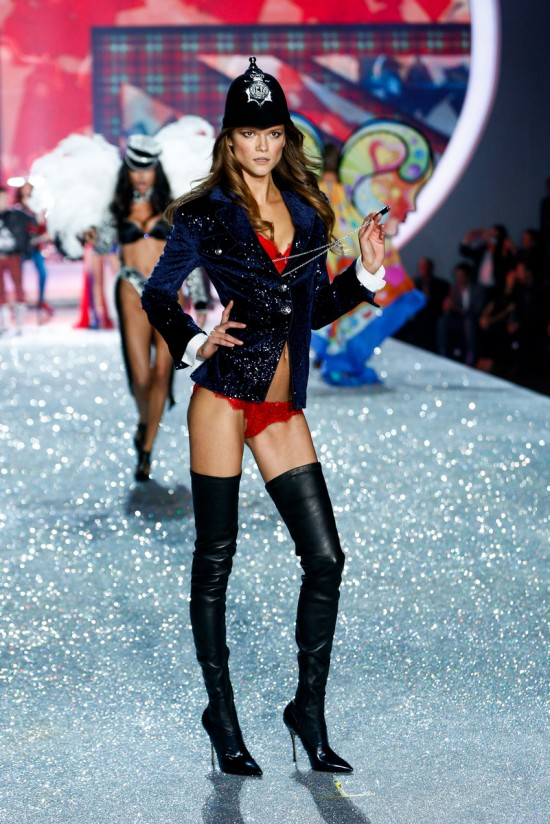 Kasia Struss @ Victoria's Secret Fashion Show 2013