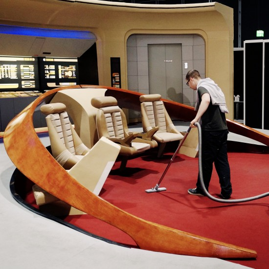 Cleaning the bridge in the 24th century @ Destination Star Trek Germany