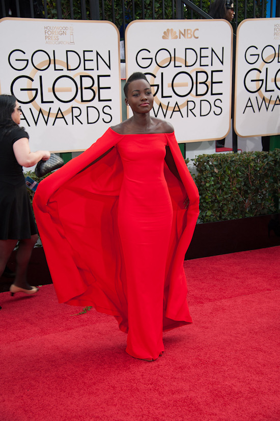 Lupita Nyong'o from 12 Years a Slave in a stunning red dress by Ralph Lauren @ Golden Globes 2014