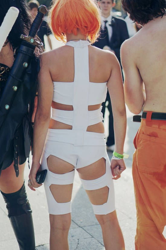 Leeloo from The Fifth Element cosplay @ Comics Salon 2014