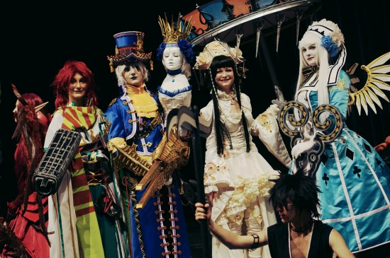 Cosplay finale with Scissors Crown and other cosplayers @ Comics Salon 2014