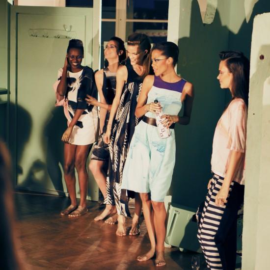 Bathroom Tableau Vivant by Ute Ploier @ Departure Fashion Night 13 Festival
