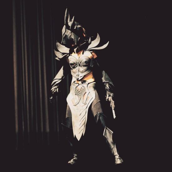 Skyrim Daedric Armor Cosplay @ Comics Salon 2014