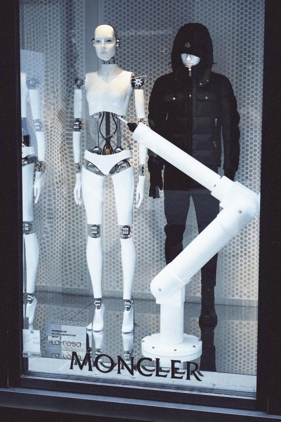 """""""I, Robot"""" and Björk inspired Moncler robot mannequin by La Rosa"""