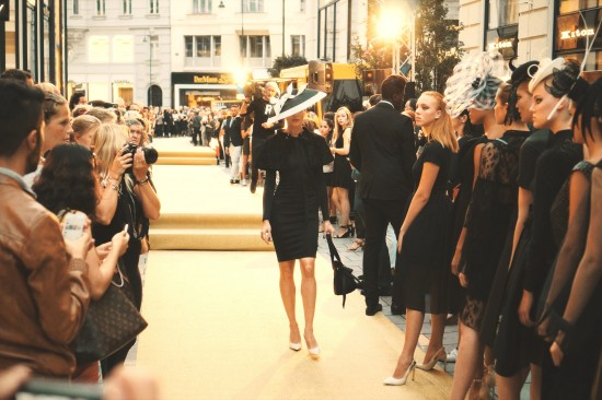 "Fashion Show ""Das kleine Schwarze – Hommage an Audrey Hepburn"" @ VOGUE Fashion's Night Out 2016 Vienna"