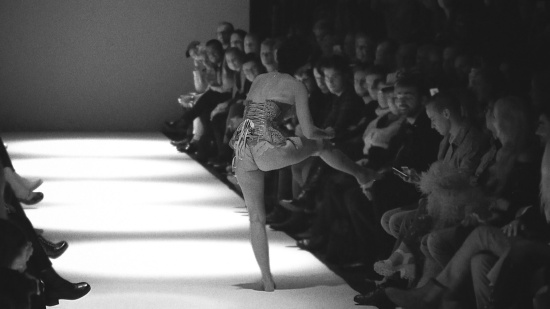Burlesque Show Kate de Vienne @ MQ Vienna Fashion Week 2017