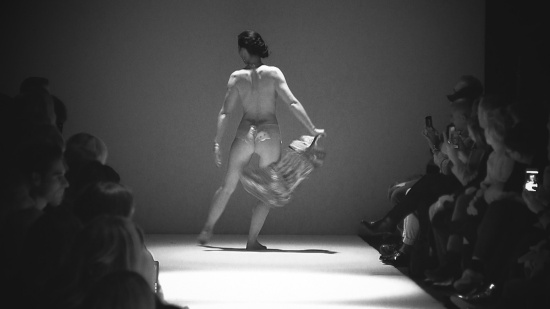 Burlesque Show Kate de Vienne @ MQ Vienna Fashion Week 2017
