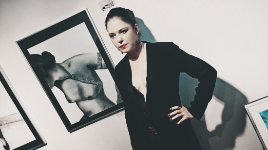 Model Carmen Kreuzer painted by Lisa Grüner @ Erotica Vienna