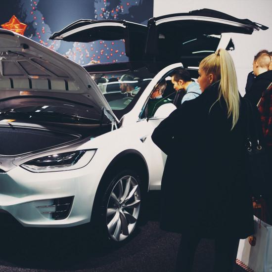 Vienna Auto Show 2017: Tesla Model X