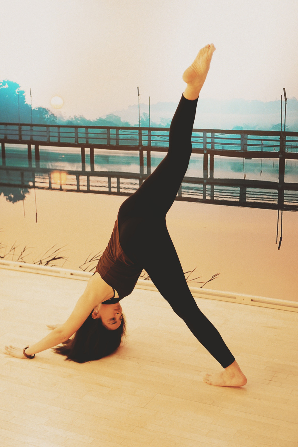 33 Amazing Yoga Poses performed by a Pro Yoga Teacher - Viki Secrets