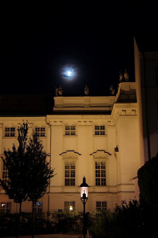 Palais Trautson and Weghuberpark at Night
