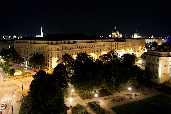 Justizpalast Vienna Wien at Night