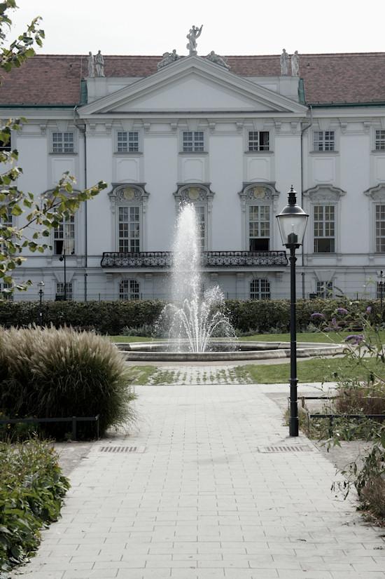 Palais Trautson Wien, Weghuberpark