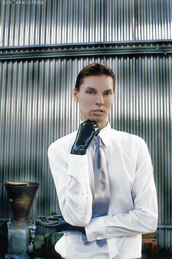 Post-Industrial Times | Photo by artModellFoto | Fashion by Benetton (shirt and tie) | Pimped with latex gloves