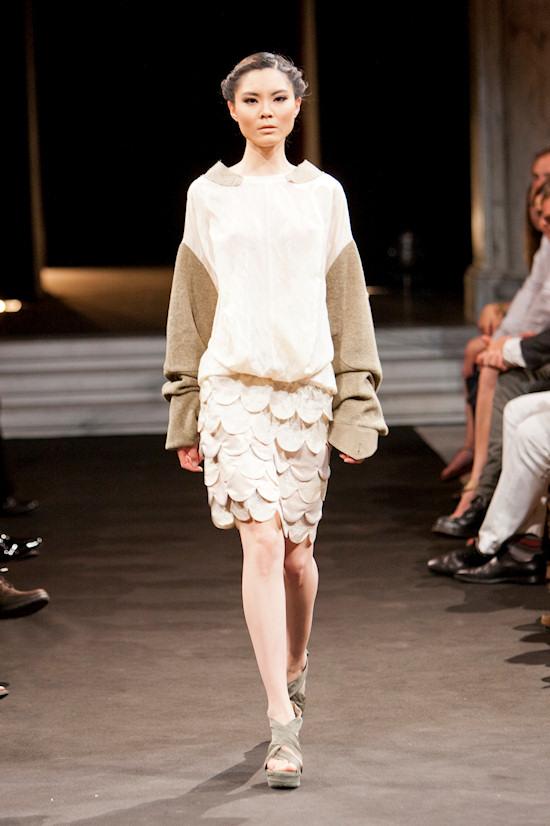Chinese Fashion Showcase Vienna Zhang Na(too)