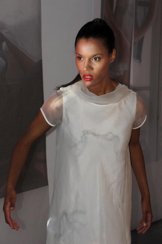 contingece 11 model fashion by edith a'gay