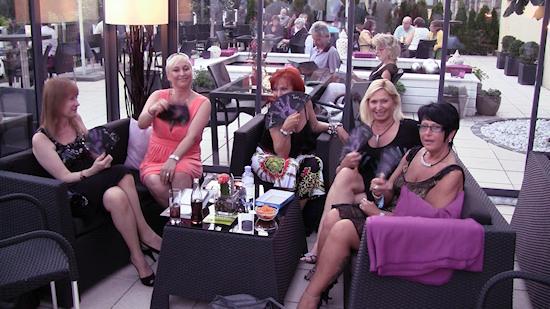 Lounge am Kahlenberg Wien Michelle Fans for Tom's Club