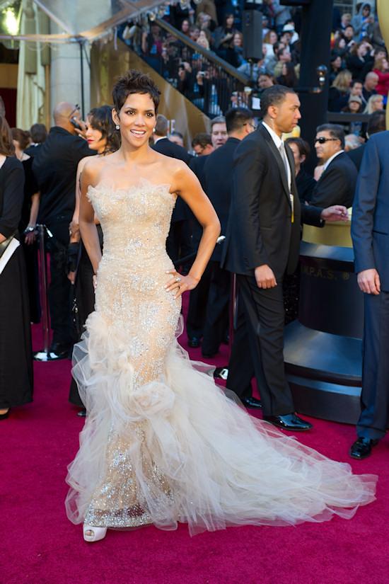 Oscars 2011: Halle Berry