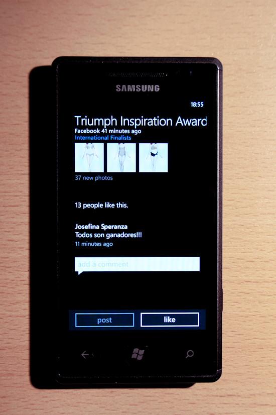 Samsung Omnia 7 Windows Phone 7 Facebook