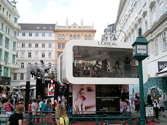 Vienna Fashion Night L´Oreal Booth