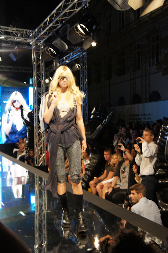 Vienna Fashion Night Schella Kann